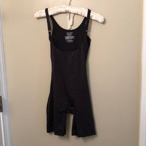 EUC Asserts by Spanx All-in-One Body Slimmer sz S
